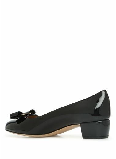 Salvatore Ferragamo Salvatore Ferragamo  Fiyonk Detaylı Deri Topuklu Ayakkabı 101548838 Siyah
